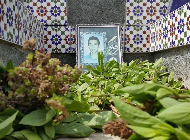 زيارة رياض الشهداء في الدراز وتزيين روضة الشهيد «علي عبد الغني» في شهركان