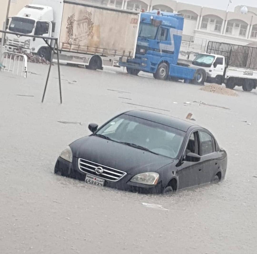 ائتلاف 14 فبراير يحيي الأهالي الذين بادروا إلى إصلاح ما خرّبته الأمطار الغزيرة في غياب واضح لاهتمام الكيان الخليفيّ بالبنى التحتيّة