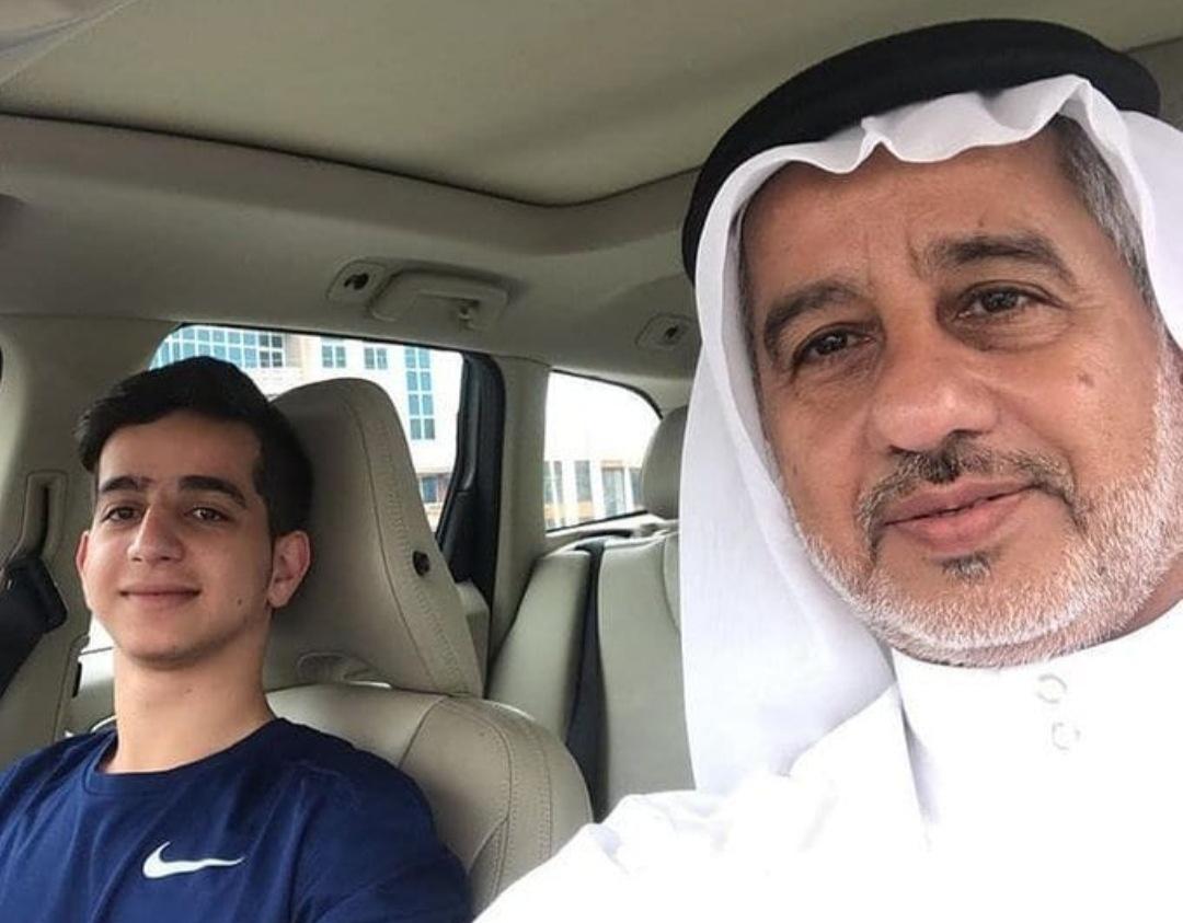 الشاب «أمير محمد الجمري» يعانق الحريّة بفخر واعتزاز